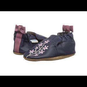 NEW Robeez girls bluebell crib shoe